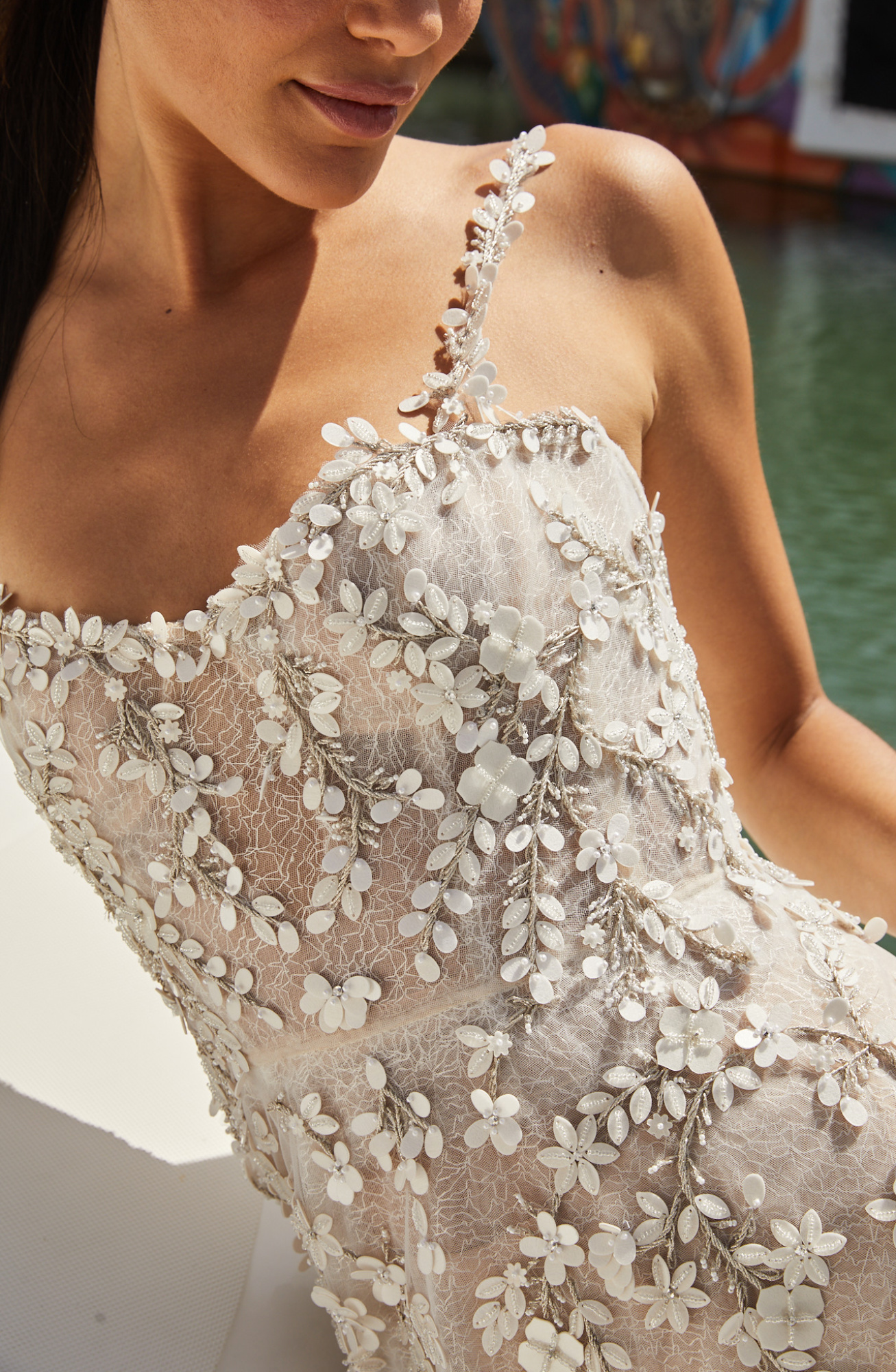 details flowers hand made haute couture dress wedding gowns bride